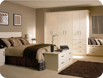 Main bedroom ideas crowdbuild for for Brown and cream bedroom ideas