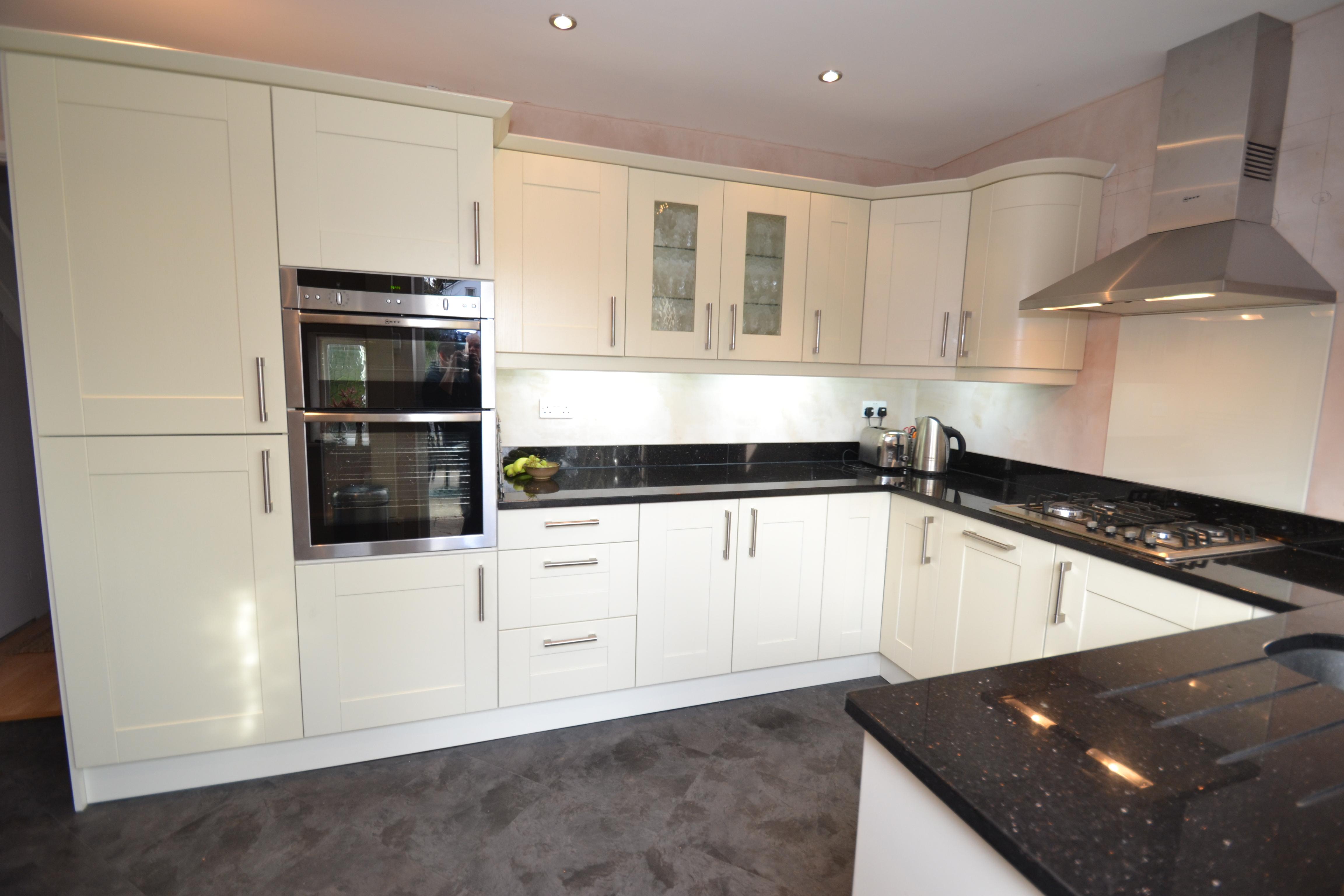 White Gloss Kitchen with Black Granite Worktops, Worcester - Diamond ...